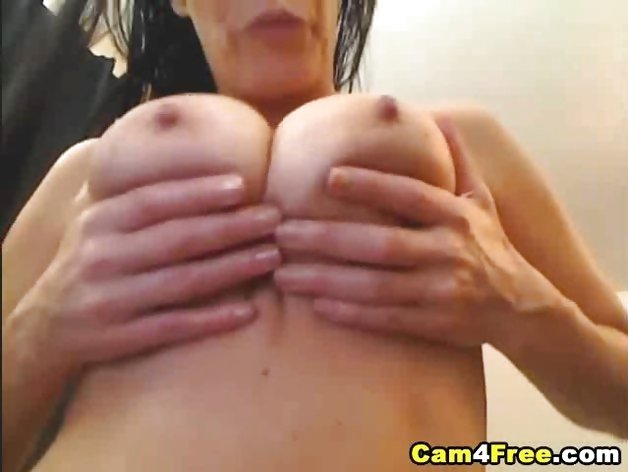 Amateur Squirt Queen HD