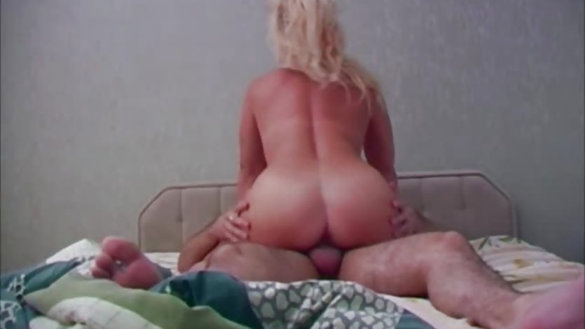 Mature skank cummed on