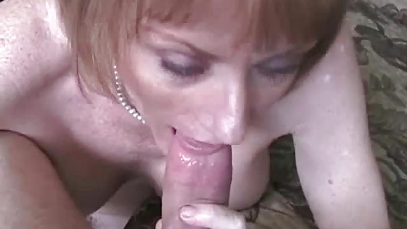 Amateur GILF Cum Swallower