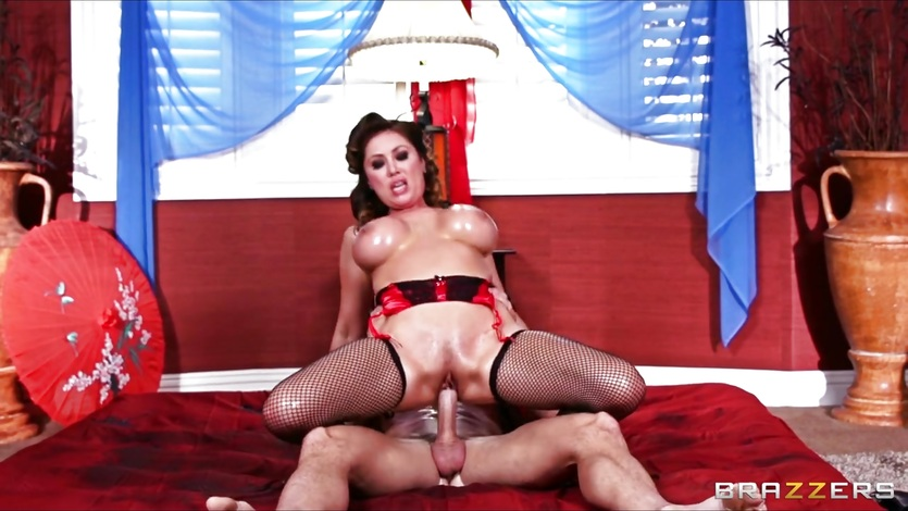 Amazing masseuse deep-throats and rides her client