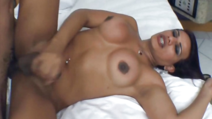 Anal Loving Gorgeous Shemales