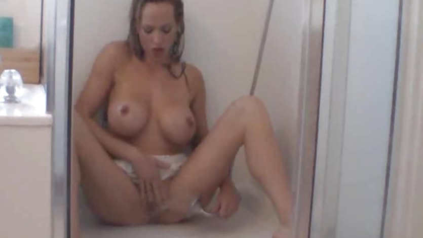 Hot MILF Takes a Shower