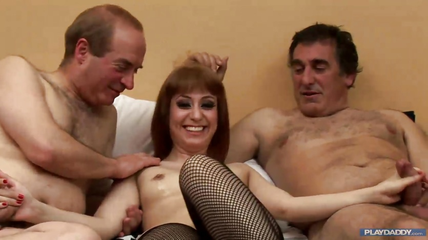 Mature threesome fucking
