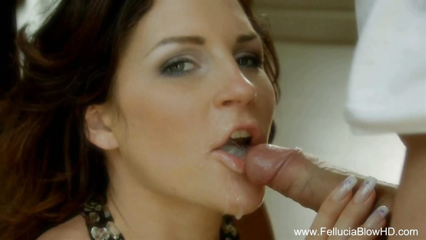 Amazing Redhead Blowjob Beauty