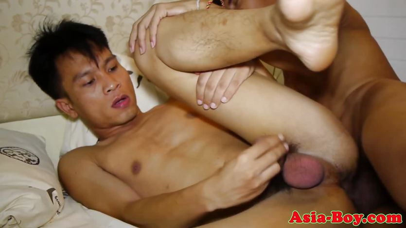 Filipino twinks love rough barebacking