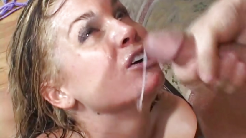 Flower Tucci shower with warm cumshot on face