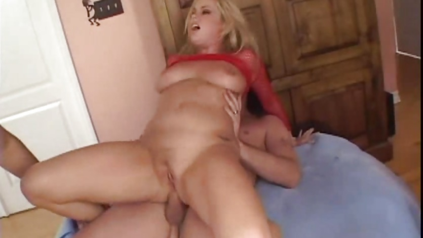 Horny Alicia Rhodes enjoys a rough double penetration
