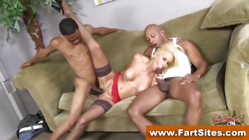 Interracial cougar in stockings gets fucked