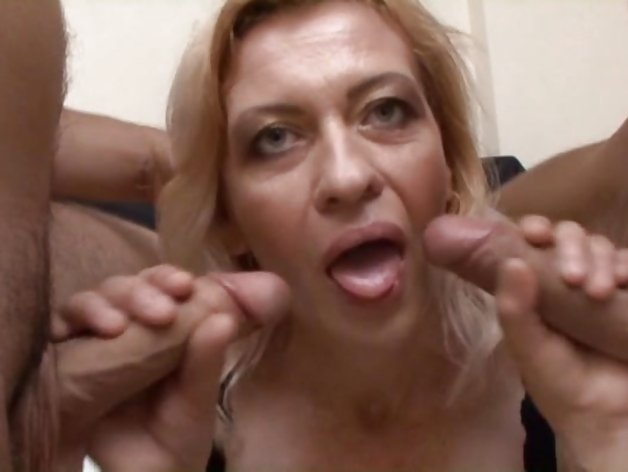 Mature woman threesomed