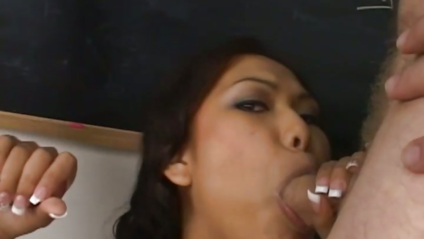 Nasty asian Veronica Lynn deep throats a massive prick