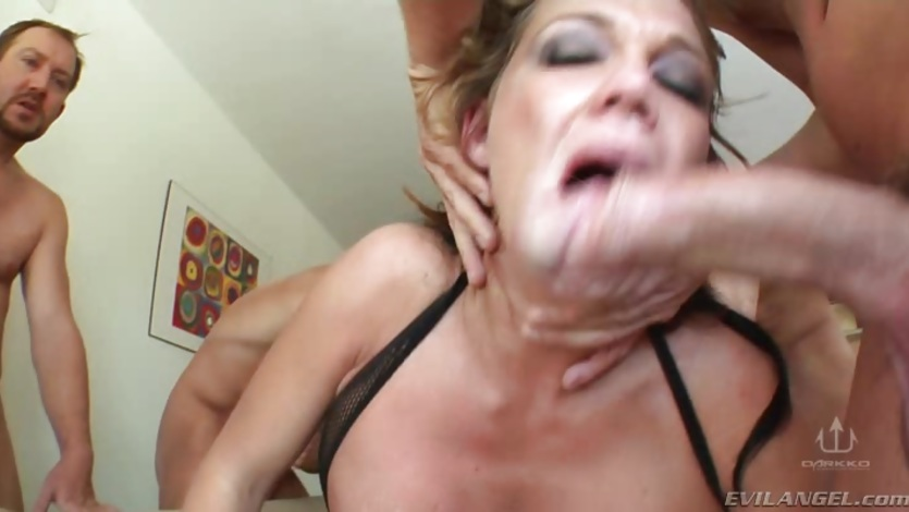 Randy Nikki Sexxx gets her slippery throat slammed