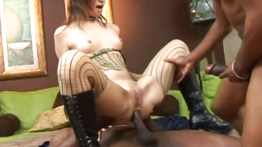 Scorching Amber Rayne enjoys a rough double penetration