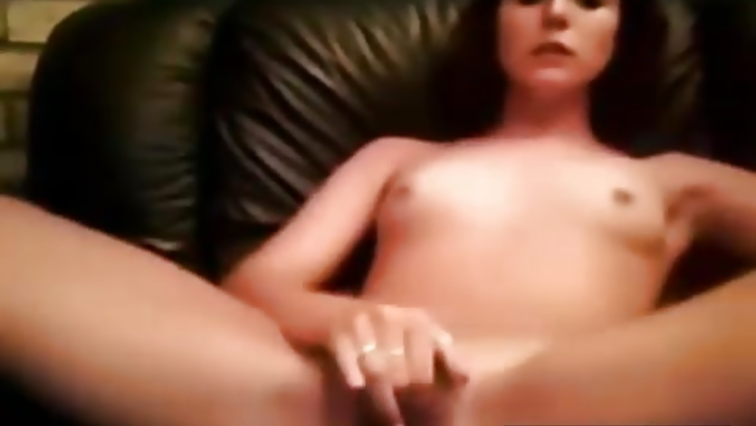 Sexy Teen Fingering on Cam