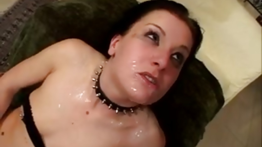 Victoria Sin get her face filled with cumshot