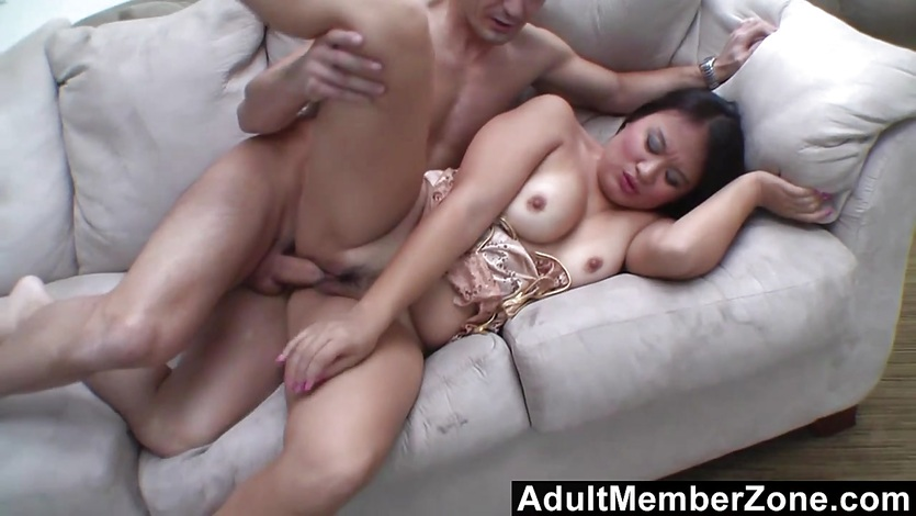 AdultMemberZone He makes her squirt so