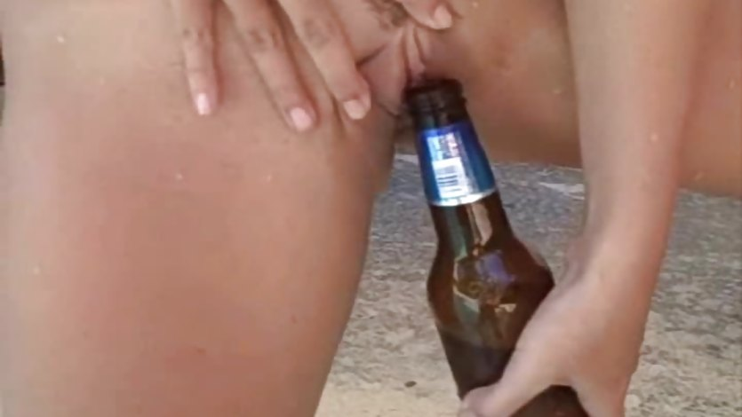 Amateur Couple Kinky Pool Fun