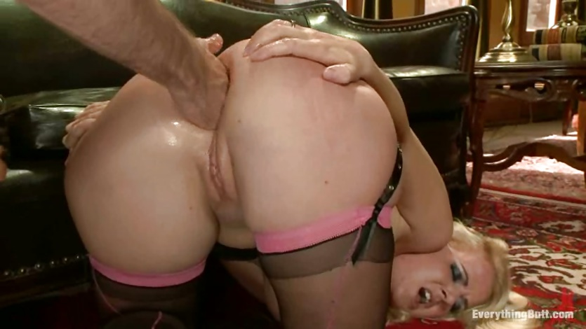 Blistering Anita Blue gets her ass hole fist fucked