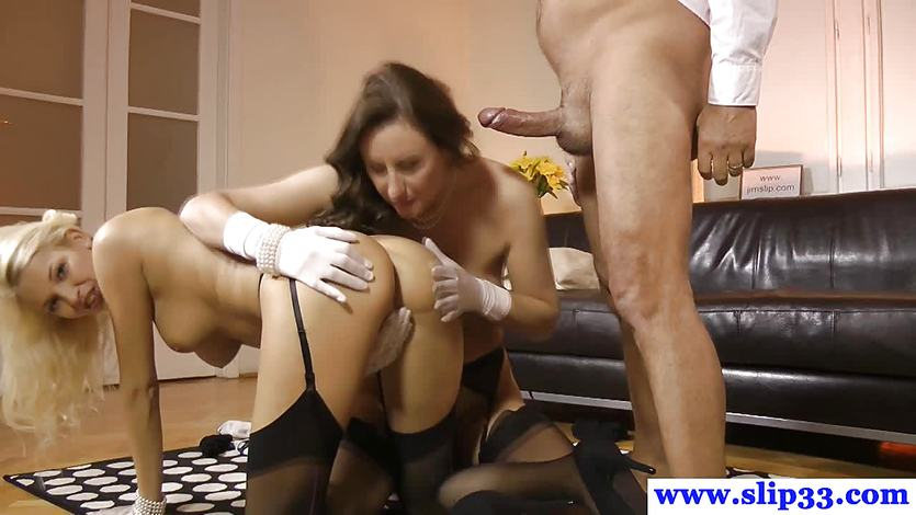 Classy amateur beauties threeway with oldies