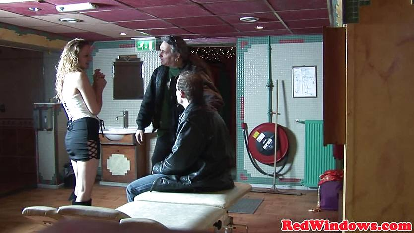 Creampied dutch hooker entertains tourist