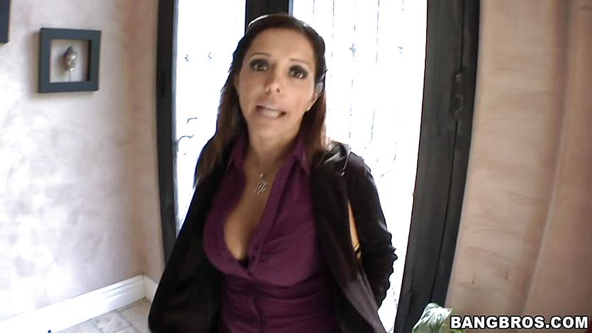 Francesca Le gives an amazing blowjob