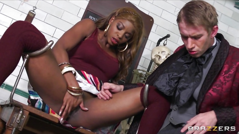 Stunning ebony babe Jasmine Webb is taught to squirt