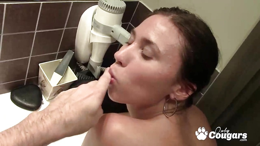 Teen couple fucking in bathroom