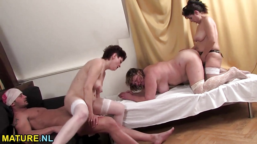 Three matures having a sexparty with a guy