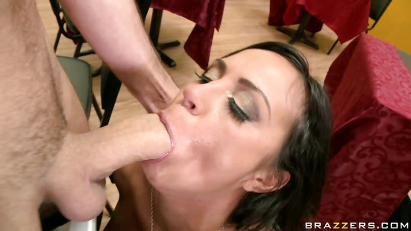 Wild brunette Mariah Milano feels the awesome cock cracking her throat deep
