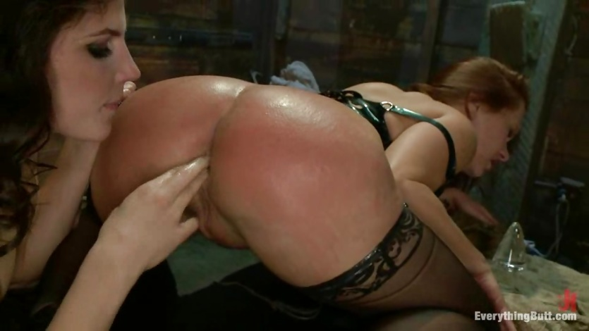 Blazing Bobbi Starr fist fucks Katja Kassin's ass